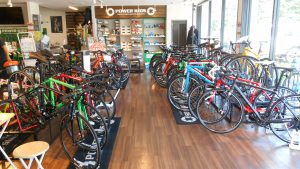 TREKクロスバイク・アルミロードバイク 新モデルがどっさり。