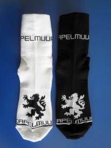 2016 Kapelmuur サイクルレーシングソックス Kapelmuurロゴ WHITE&BLACK