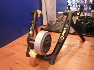 室内トレーニングマシン「ローラー台」!