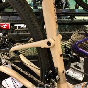 Cannondale グラベルロード Topstone Carbon 105 quicksand kingpin suspension system
