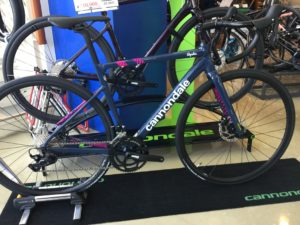 2021 cannondale CAAD13 DISC 105 Team Replica 展示