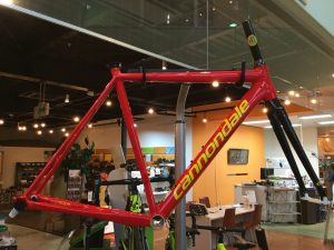 CAAD12 COLORS RACE RED/CANNONDALE YELLOW/グロス仕上げ