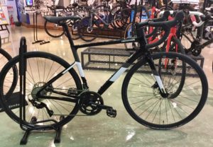 2021 SuperSix EVO Carbon Disc 105 店内写真